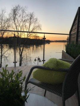 Apartamenty MoLoo z widokiem na jezioro