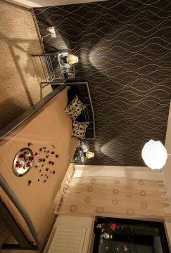 łóżko z lampkami - Pensjonat u Olka - czysto, komfortowo, łazienka na wyłączność