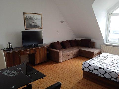 apartament dla 2-4 osób z łazienką, lodówką, czajnikiem - Willa Al Faro - odpocznij blisko morza, w ciszy i spokoju