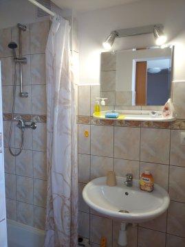 Pokój 2-osobowy (Pokój 2 os. z łazienką (nr 8)) - Willa Szmaragd  | pokoje w doskonałej lokalizacji | duży zielony ogród
