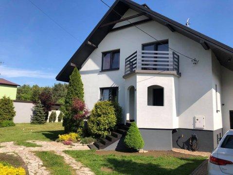 dom z zewnątrz - Dom Jurajska28 - na wyłączność
