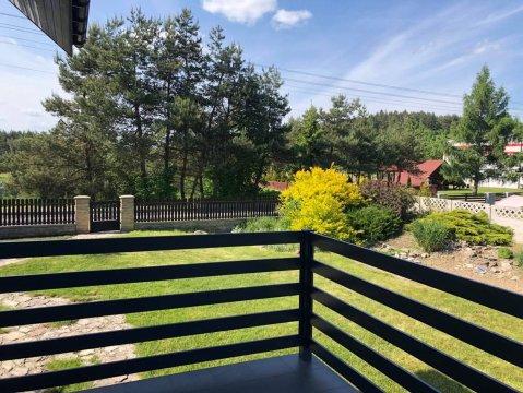 widok z tarasu na ogród - Dom Jurajska28 - na wyłączność