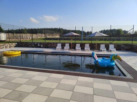 Apartamenty nad jeziorem Kownatki, Mazury, ośrodek wypoczynkowy, basen.