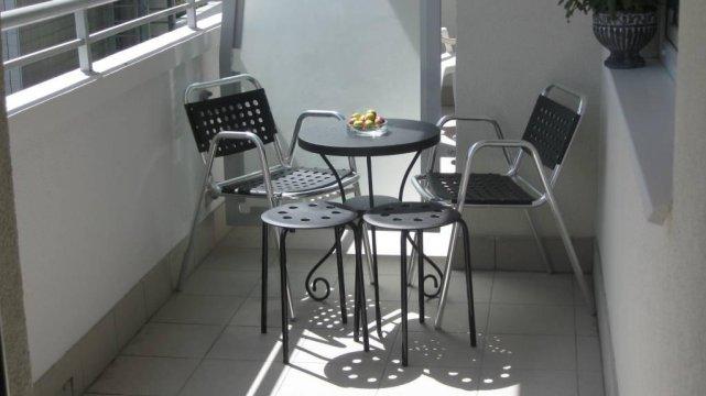 Słońce na balkonie jest od rana