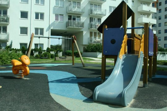 Apartament Morski - plac zabaw na posesji
