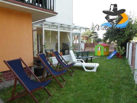 W ogrodzie Villa Banita , plac zabaw i relaks