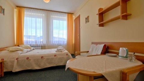 Ośrodek Wypoczynkowy Start | Pokoje 3 minuty od Krupówek | Plac zabaw