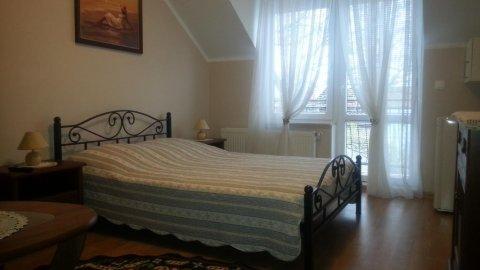 Villa Pod Dębem | Pokoje 2, 3 i 4 osobowe z łazienkami