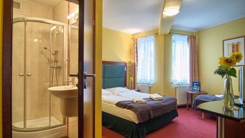 Pensjonat Etna. Komfortowe pokoje, restauracja z lokalną kuchnią, sauna fińska