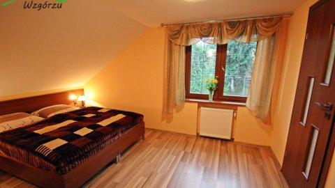 Dom na wzgórzu | Apartamenty i pokoje z łazienkami