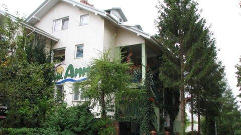 Dom Wypoczynkowy ANNA - 250 m do morza! Komfortowe pokoje,Wi-Fi,parking, ogród.