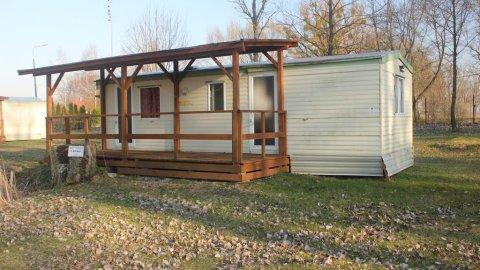 3Domeki / bungalow nad jeziorem