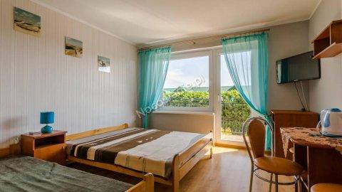 Iris | Pokoje z łazienkami i balkonami | 250 metrów od morza i plaży