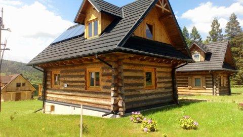 Tradycyjny góralski domek w górach. Komfortowy pobyt o każdej porze roku