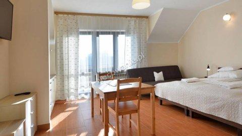 JAGODA - pokoje z łazienkami, aneksy kuchenne, wysoki standard.