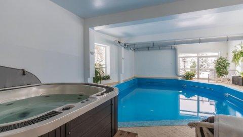 Rezydencja Marjo | dom z krytym basenem