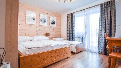 Apartament w góralskim stylu z balkonem i widokiem na góry