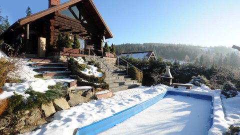 Pod Smerkami | Domek w górach z kominkiem, basenem, sauną i tarasem