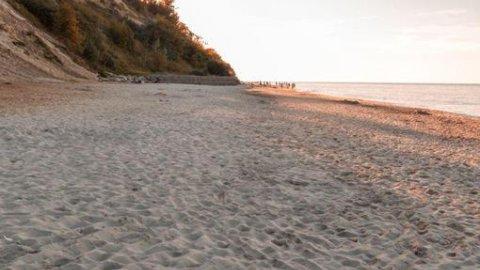 Ośrodek Wypoczynkowy w Jastrzębiej Górze | Pokoje i domki 500 metrów od morza