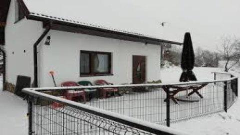 Biała Chatka. Domek dla 4-6 osób blisko wyciągu narciarskiego