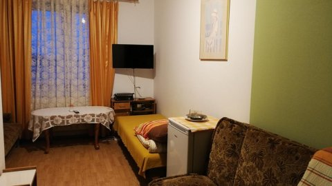 Dom Weselny Margo 44 | Pokoje 3 i 4 - osobowe z łazienkami