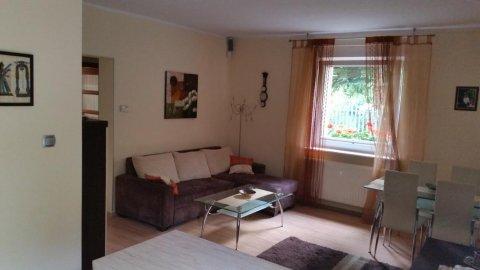 Apartament Zagórna. Piękne i przytulne mieszkanie z uroczym ogródkiem