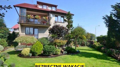 Willa Szmaragd  | pokoje w doskonałej lokalizacji | duży zielony ogród