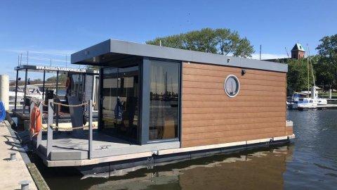 Houseboat Porta Mare. Komfortowe domki wodzie