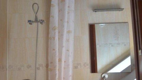 MARTA   Pokoje z łazienkami 70 metrów od plaży