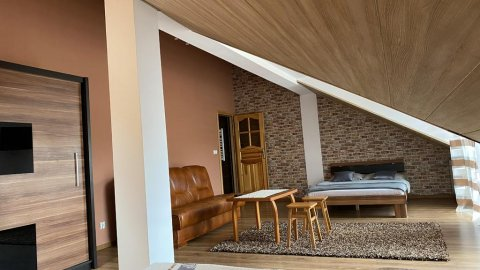 Pokoje z łazienkami, tv,wi-fi, balkonem z ogólnodostępna kuchnią w Pieninach