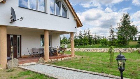 Dzika Konwalia. Idealny dom na rodzinny wypoczynek w spokojnej okolicy
