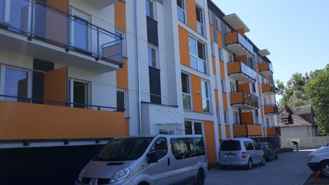 Apartament 3 pokoje, blisko centrum, parking