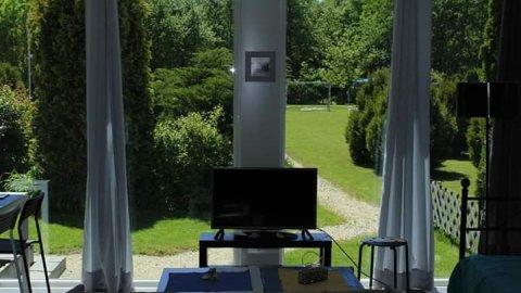 Apartamenty pod Wrocławiem z polem do minigolfa, idealne dla rodzin