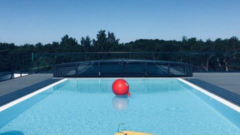 Rodzinnie z basenem i garażem w cenie