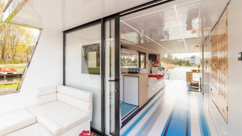 Luksusowy domek na wodzie z sauną i motorówką Lubniewice