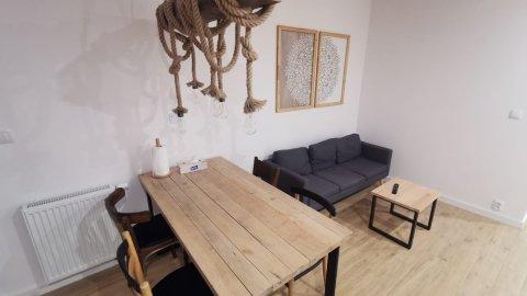 Komfortowe pokoje w pobliżu jeziora i lasu w Gdańsku